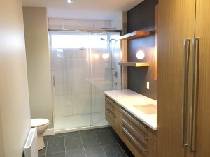 rénovation majeur construction rlr turcotte trois-rivieres salle de bain moderne contemporain